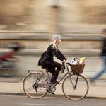通勤で使用している自転車の価格は「2万円以下」が63%