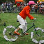 乗るのが難しそうな自転車 3