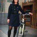 美女と自転車