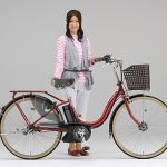 電動アシスト自転車の年間出荷台数が国内メーカー二輪車を上回る