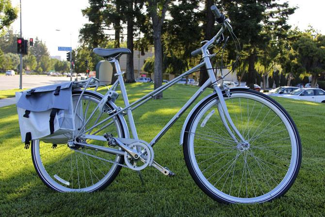 110726_apple_campus_bike1