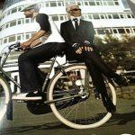 コネタ:ヘルメット「LAZER」の広告
