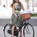 Photo:自転車に乗るケリー・ブルックがとてもかわいい件