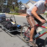 Photo:自転車で運ぶ