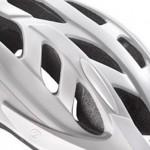 お手頃価格のスポーツサイクル用ヘルメット「LAZER CYCLONE」
