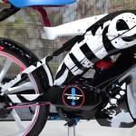 東京モーターショー2015 スズキ編:原動機付自転車はふたたび「自転車」を目指す