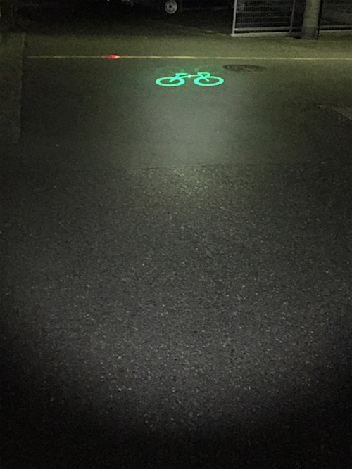 自転車側から見るとこんな感じ。