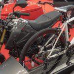 「原付2種+サイドカー」にロードバイクを積載!