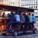 多人数乗車の「Beer Bike(Party Bike)」でお客さんは運転者には該当しない